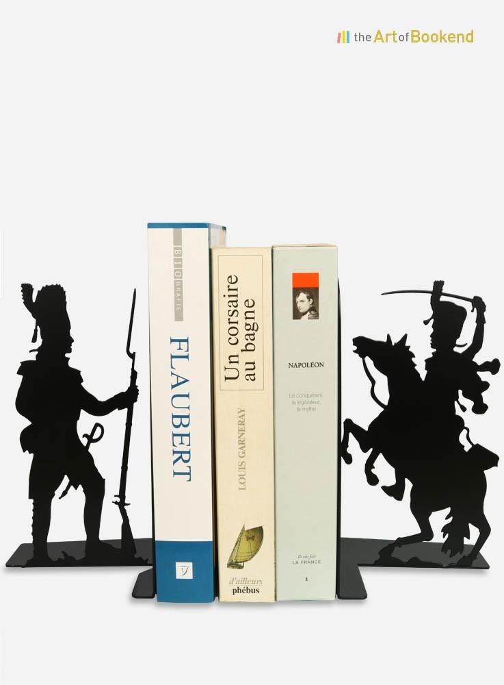 Paire de serre-livres Grognard et Hussard. Hauteur 19 cm. Créations en métal par découpe laser