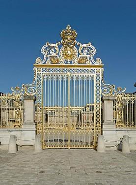 La Grille Royale réalisée sous le règne de Louis XIV vers 1680 par Jules Hardouin-Mansart.