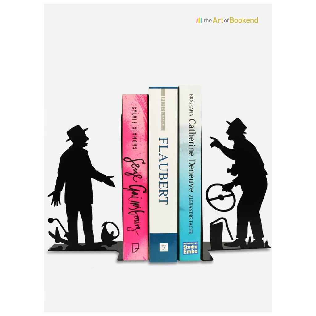 Serre-livres Louis de Funès et Bourvil d'après le film Le Corniaud. Hauteur 19 cm