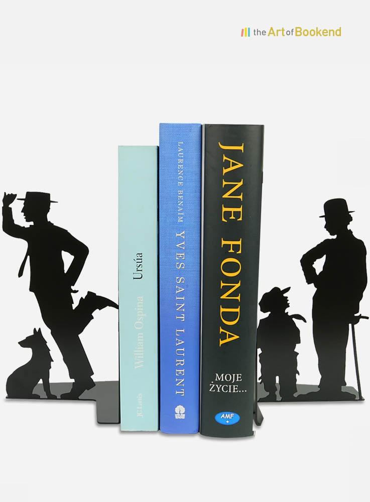 Serre-livres Charlie Chaplin Charlot et Buster Keaton. Création en métal fabriquée dans l'Union Européenne. Hauteur 19 cm